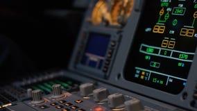 Autopilota kontrolny element samolot Panel zmiany na samolotu lota pokładzie Estokad dźwignie bliźniak engined Zdjęcie Stock