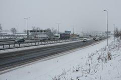 Autopista británica M1 durante tormenta de la nieve Fotos de archivo libres de regalías