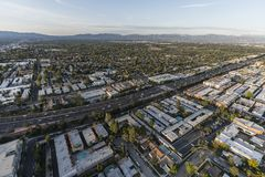 Autopista sin peaje aérea de Los Ángeles Ventura 101 en Encino Foto de archivo