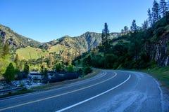 Autopista sin peaje de la montaña Imagenes de archivo