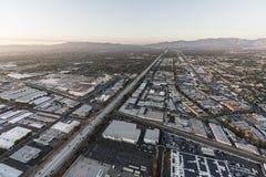 Autopista sin peaje de la visión aérea 405 en Roscoe Blvd en Los Angeles fotos de archivo libres de regalías