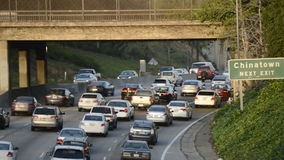 Autopista sin peaje ocupada de Los Ángeles metrajes
