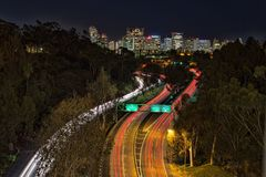 Autopista sin peaje ocupada en San Diego céntrico fotografía de archivo