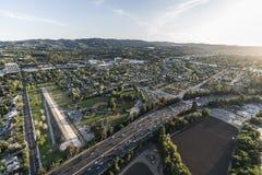 Autopista sin peaje San Fernando Valley Encino Aerial de Los Ángeles 101 Imágenes de archivo libres de regalías