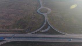 Autopista vista desde arriba metrajes