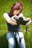 Autoportrait de jeune femme Photo libre de droits