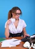 Autor de sexo femenino con la vendimia fotos de archivo libres de regalías