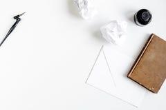 Autora biuro w pisarskim pojęciu na biurka tła odgórnego widoku egzaminie próbnym up Obraz Stock