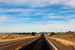 Autoreise in Arizona - auf der Straße lizenzfreies stockfoto