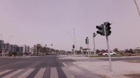 Autoreise auf Yas-Insel im Abu Dhabi-Vorratgesamtlängenvideo stock footage