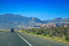 Autoreise durch Wüste, Las Vegas, Nevada Stockbild
