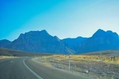 Autoreise durch Wüste, Las Vegas, Nevada Lizenzfreie Stockfotografie