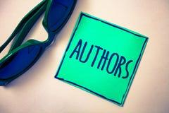 Autori del testo di scrittura di parola Concetto di affari per le sedere beige di carta di Creator Green del compositore di Poet  fotografia stock