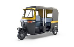 Autorickshaw изолировало на белой предпосылке Традиционный индийский общественный транспорт иллюстрация вектора