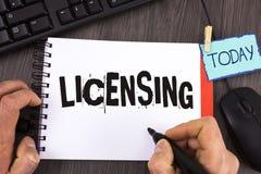 Autorización del texto de la escritura El concepto que significa a Grant un permiso de la licencia el uso algo permite legalmente foto de archivo
