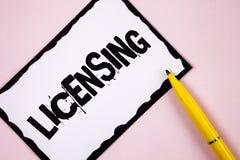Autorización del texto de la escritura El concepto que significa a Grant un permiso de la licencia el uso algo permite legalmente imagen de archivo