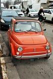 autorización hermosa 500 primeros modelos, era muy acertada en Italia alrededor de los años 60/70 imagen de archivo libre de regalías