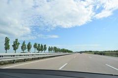 Autoroute allemande de l'intérieur de voiture Photos stock