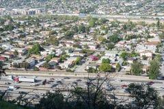 Autoroute 5 et ville d'un état à un autre de LA Image libre de droits