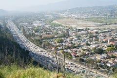 Autoroute 5 et ville d'un état à un autre de LA Images libres de droits