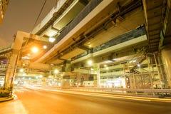 Autoroute urbaine recouverte images libres de droits