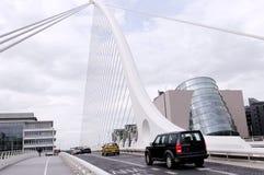 Autos auf Brücke Lizenzfreies Stockbild