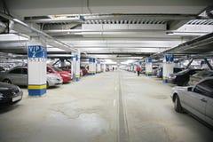 Autos auf Parken lizenzfreie stockfotos
