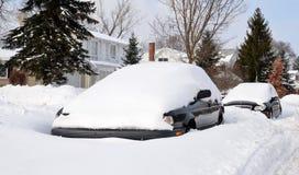 Autos begraben im Schnee