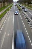 Autos in der Bewegung stockfotografie