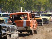 Autos in der Demolierung Derby lizenzfreie stockfotos