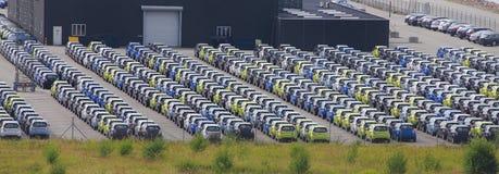 Autos für den Export geparkt Stockbild
