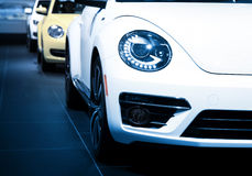 Autos in Folge Lizenzfreie Stockfotografie