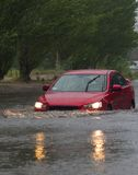 Autos im starken Regen Lizenzfreies Stockbild
