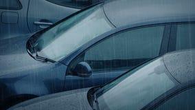 Autos im starken Regen stock footage