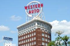 Autos occidentales icónicos firman adentro Kansas City céntrico Fotos de archivo libres de regalías