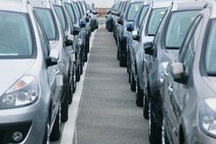 Autos stock. Parc automobile stock dèpart export Royalty Free Stock Photo