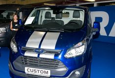 Autosalon Slovakien 2014 - Ford mikrobusegen royaltyfria foton