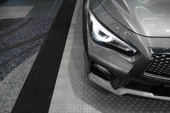 Autoscheinwerfer, neues Infiniti Q50 Stockfotos
