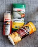 Autoschoonheidsmiddelen op grijze achtergrond Royalty-vrije Stock Foto's