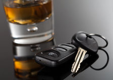 Autosleutels en Alcoholische drank Royalty-vrije Stock Fotografie