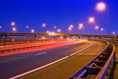 Autosnelweg bij nacht Stock Foto