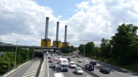 Autosnelweg in de stad van Berlijn stock footage
