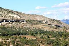 Autostrada A25/E80 en los Abruzos, Italia Foto de archivo libre de regalías