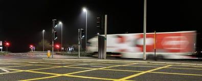Autostrada M4 Swindon della giunzione 16 alla notte immagine stock