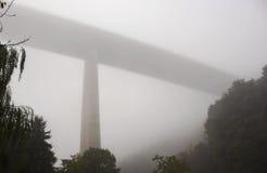 Autostrada nebbiosa Fotografia Stock Libera da Diritti