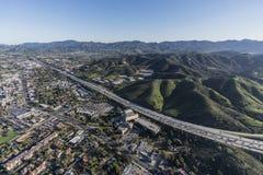 Autostrada senza pedaggio California del sud aerea di Thousand Oaks 101 Fotografie Stock Libere da Diritti