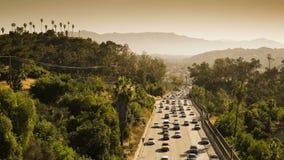 Autostrada senza pedaggio di Pasadena che conduce nel centro finanziario di Los Angeles del centro video d archivio