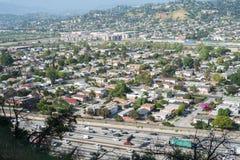 Autostrada senza pedaggio 5 e città da uno stato all'altro di LA Immagine Stock Libera da Diritti