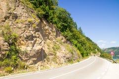Autostrada senza pedaggio lungo il lago zlatar della riva, Serbia Fotografie Stock