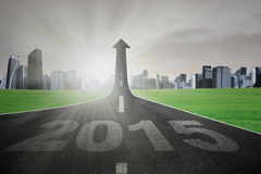 Autostrada w kierunku jaskrawej przyszłości przy 2015 Fotografia Royalty Free